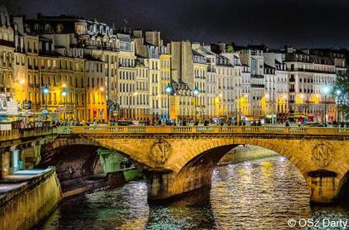 Paris, le pont National de nuit