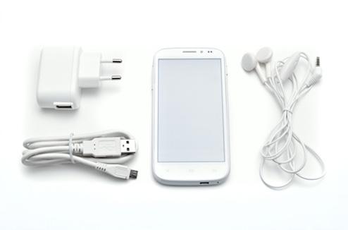 Téléphone mobile avec ses accessoires