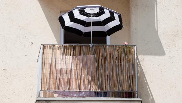 am nager un petit balcon darty vous. Black Bedroom Furniture Sets. Home Design Ideas