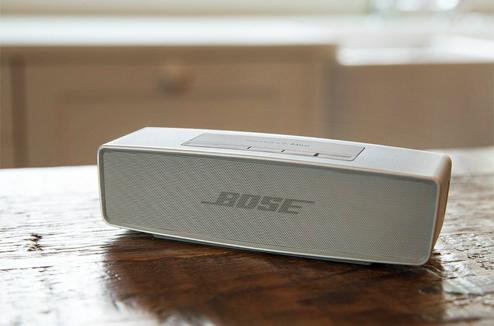 L'enceinte Bose SoundLink mini II en blanc perle