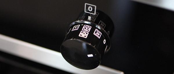 plussteam le four multifonction d 39 electrolux qui propose une touche de vapeur darty vous. Black Bedroom Furniture Sets. Home Design Ideas