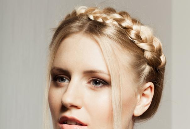 5 coiffures faciles faire soi m me pour aller un mariage darty vous - Coiffure pour aller a un mariage ...