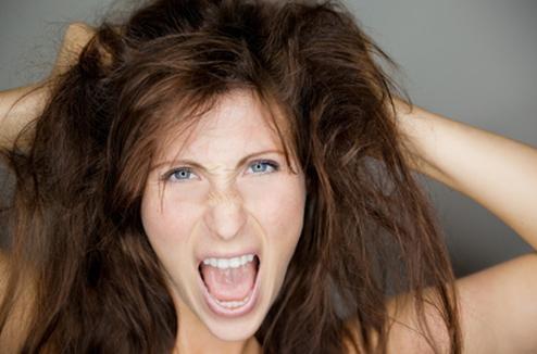 Comment donner plus de volume aux cheveux plats ?