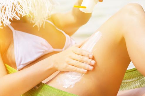 Crème solaire et préparation au bronzage