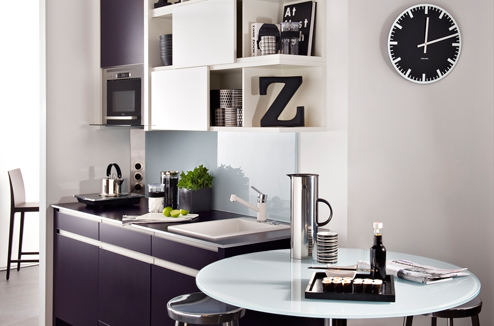 le noir et blanc dans la cuisine c 39 est moderne darty vous. Black Bedroom Furniture Sets. Home Design Ideas