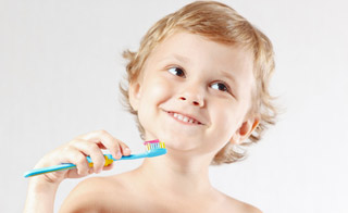 Learn the right things to brush your teeth