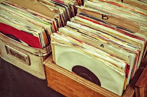 Deux caisses de disques vinyles