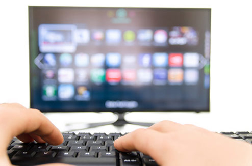 connecter son pc a la tv solutions et installations avec ou sans fil darty vous. Black Bedroom Furniture Sets. Home Design Ideas
