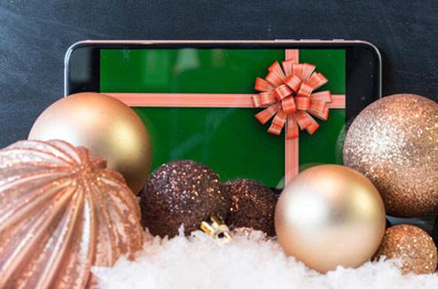 Smartphone avec décoration de Noël