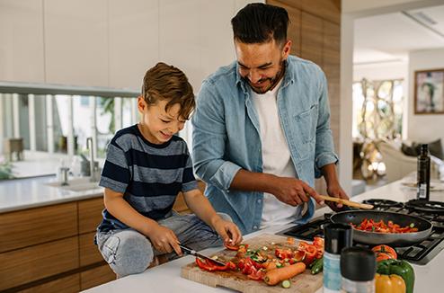Faire la cuisine avec Papa