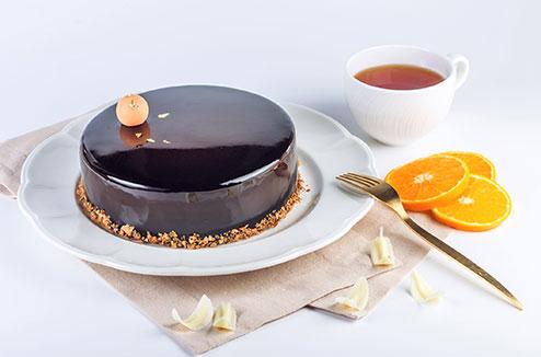 Gâteau avec un glaçage miroir