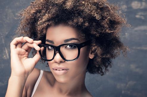 comment se maquiller lorsqu on porte des lunettes darty vous. Black Bedroom Furniture Sets. Home Design Ideas