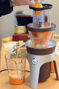 Moulinex infiny press revolution clignote rouge nous quipons la maison avec des machines - Extracteur de jus moulinex infiny juice ...