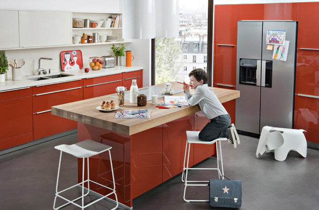 10 cr dences qui habillent les murs de la cuisine darty for Ilot de cuisine avec table pour 4 personnes