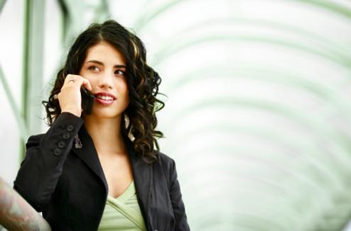 Téléphone mobile : conversation téléphonique