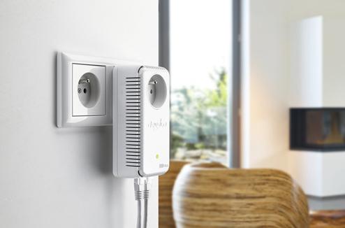 Kit CPL : Devolo avec prise de courant intégrée