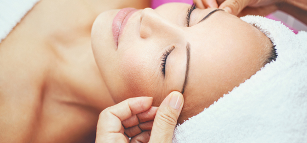 tout savoir sur le massage facial japonais darty vous. Black Bedroom Furniture Sets. Home Design Ideas