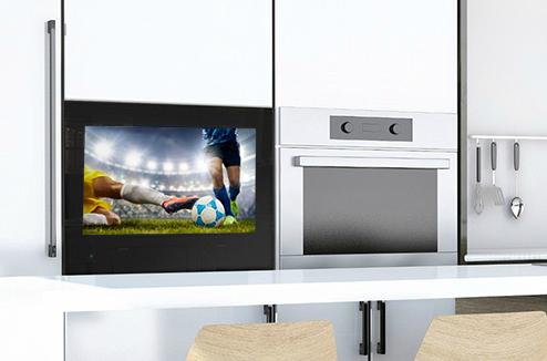 Regarder la TV dans la cuisine