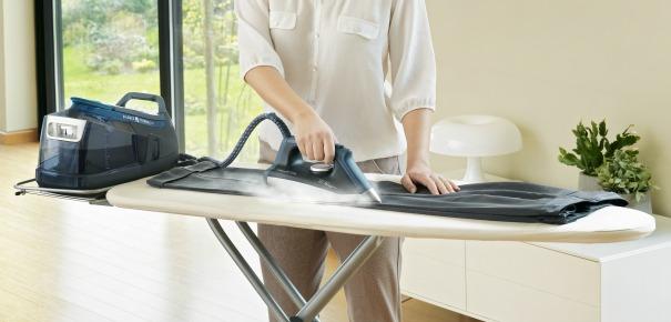 Table a repasser darty maison design - Housse table a repasser pour centrale vapeur ...