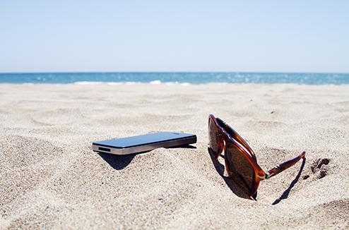 Smartphone en plein soleil