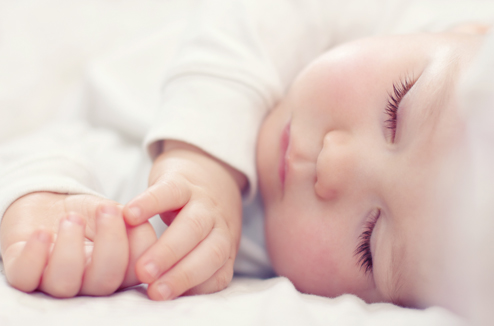 Comment aider bébé à faire ses nuits