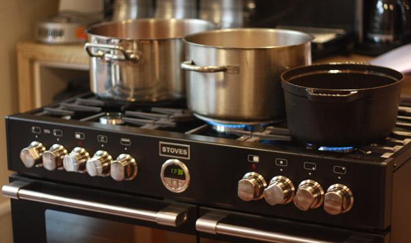 Un piano de cuisson dans une micro cuisine possible for Prix d un piano de cuisson