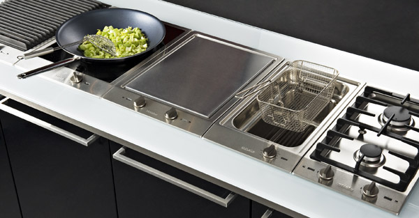 Guide d 39 achat table de cuisson darty vous - Domino induction darty ...