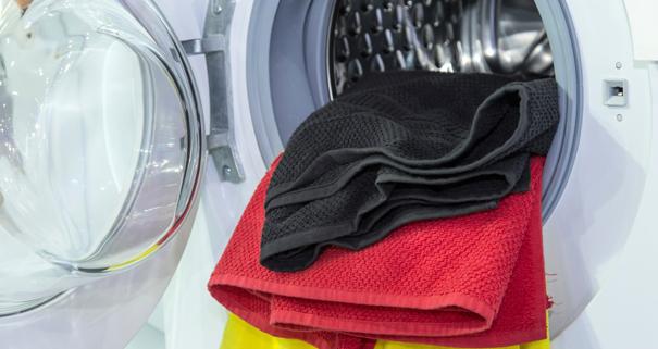 conseils et astuces pour faire s cher son linge plus vite et viter les mauvaises odeurs darty. Black Bedroom Furniture Sets. Home Design Ideas