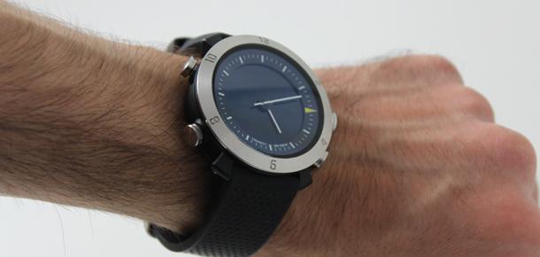 montre connect e test de la smartwatch cogito classic darty vous. Black Bedroom Furniture Sets. Home Design Ideas