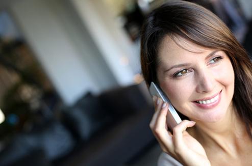 Téléphone mobile : personne au téléphone