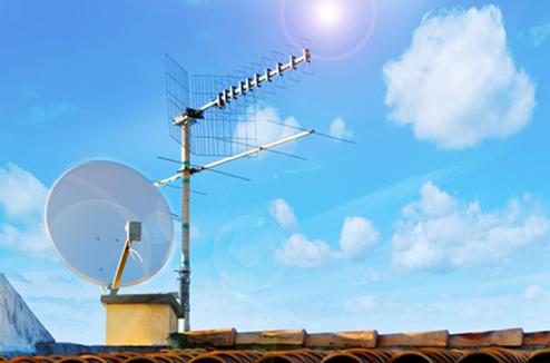 Antenne parabolique et antenne râteau