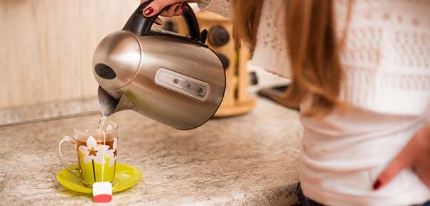 Bouilloire ou th i re vous h sitez darty vous - Comment detartrer une bouilloire ...