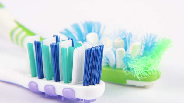 A toothbrush, it changes more often than we think ...