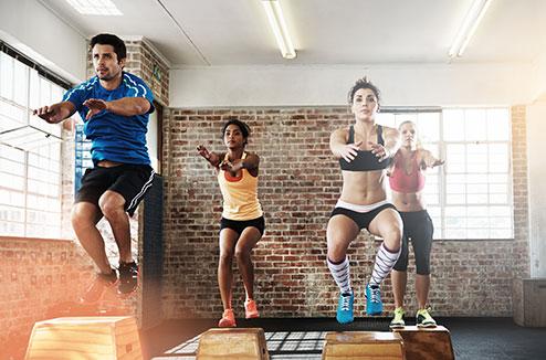 Faites travailler tous vos muscles en même temps avec le sport !