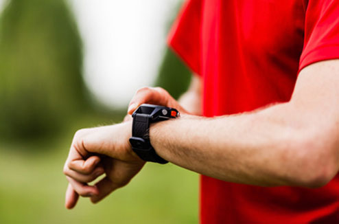 Montre sport au poignet