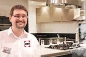 Christophe concepteur de cuisine chez darty darty vous - Darty cuisine showroom ...
